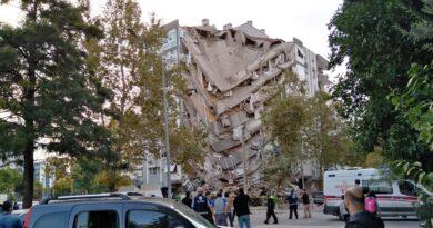 Razoran potres u Turskoj i Grčkoj: Ljudi ispod srušenih zgrada, more poplavilo grad