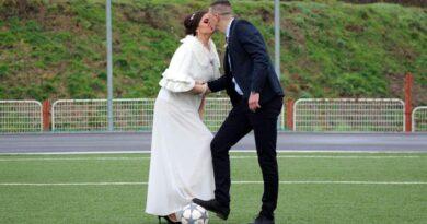 SAMO U BIH Odveo suprugu na teren kluba za koji navija da se vjenčaju