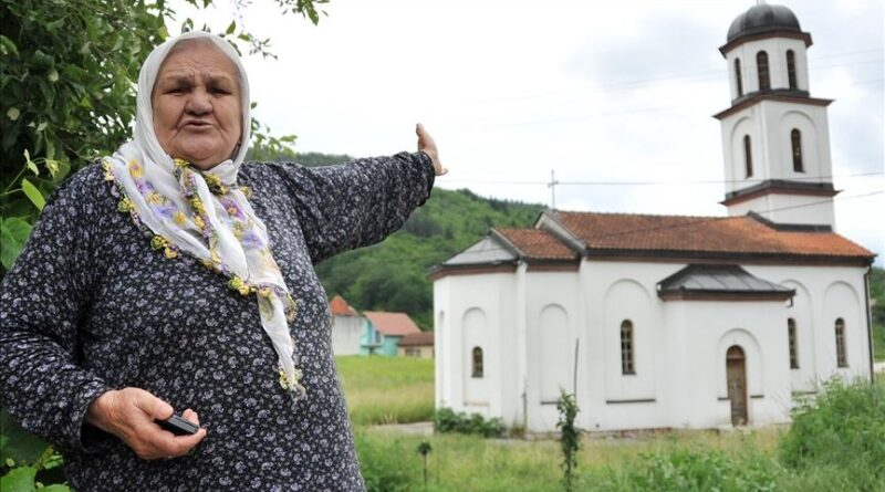 Fata Orlović pobijedila: Raspisan tender za uklanjanje crkve iz njenog dvorišta