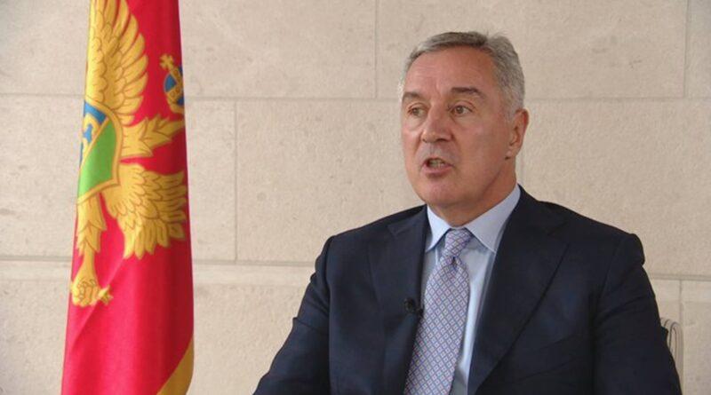 Stravične brojke o svakodnevnom porastu broja umrlih i zaraženih: Milo Đukanović