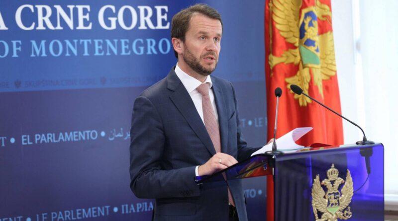 Raško Konjević: Vlada Crne Gore snom mrtvijem spava