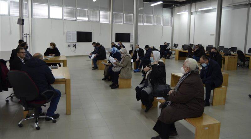 Srebrenica: Valentin Inzko da donese zakon o zabrani negiranja genocida