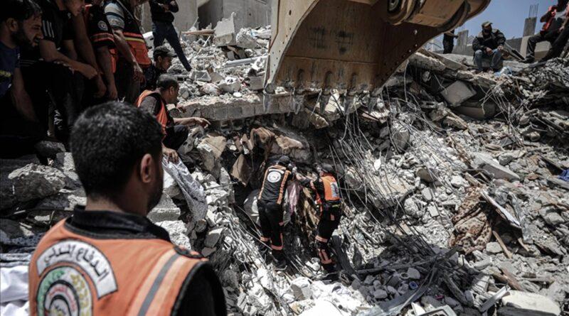 Amnesty says Israeli attacks amount to 'war crimes'