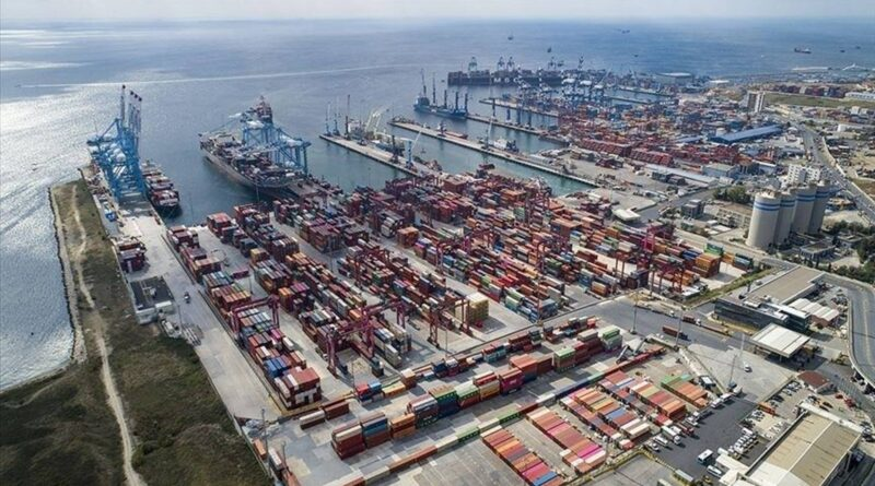 Turkish economy beats expectations, expands 7% in Q1