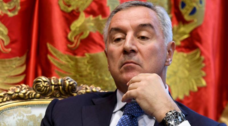 MIlo Đukanović. Crna Gora, kriza Vlade