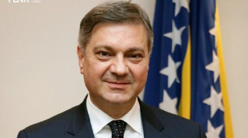 Denis Zvizdić, SDA, napustio stranku