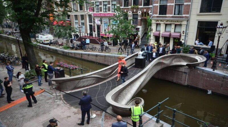 U Amsterdamu postavljen prvi most na svijetu napravljen uz pomoć 3D štampača