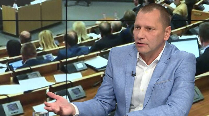 """Miletić poručio Dodiku: """"DOBRO ĆE UVIJEK POBJEDITI ZLO"""""""
