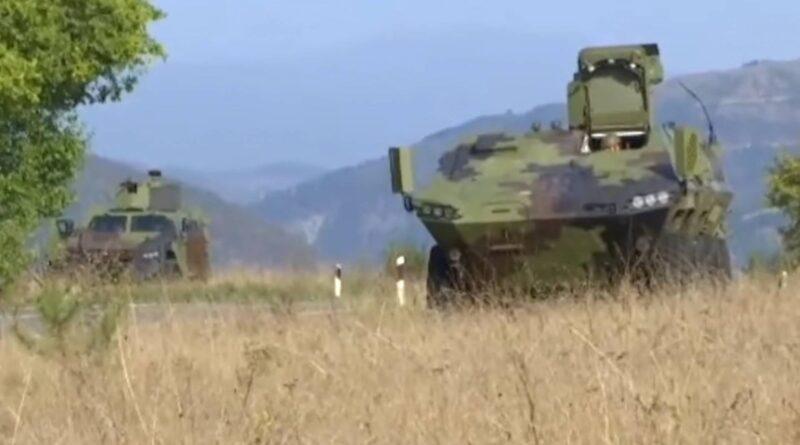 Alarmantno: četiri oklopna vozila srpske vojske došla su na dva kilometra od granice s Kosovom
