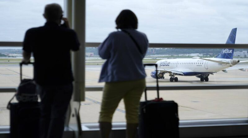 American, other airlines will require employee vaccinations