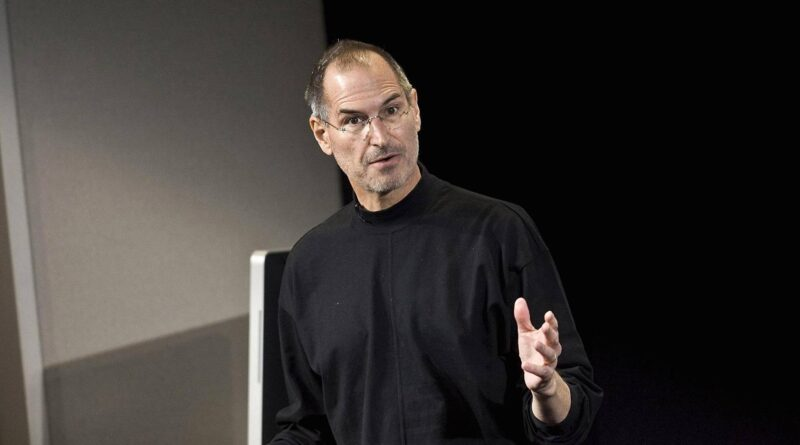 Bill Gates, Elon Musk, and 4 other business leaders on the best lessons they learned from Steve Jobs